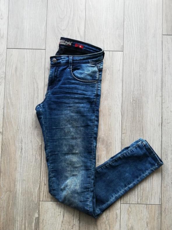 Skinny jeansy House M