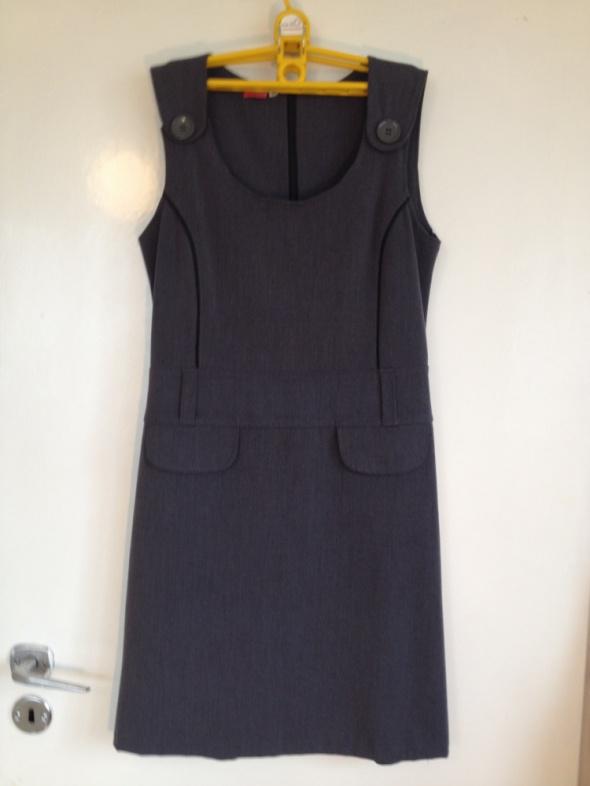 d69756e58b Szara grafitowa elegancka prosta sukienka Vanessa polski produkt 38 40 M L  guziki biurowa