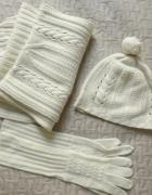 Komplet czapka szalik rękawiczki...