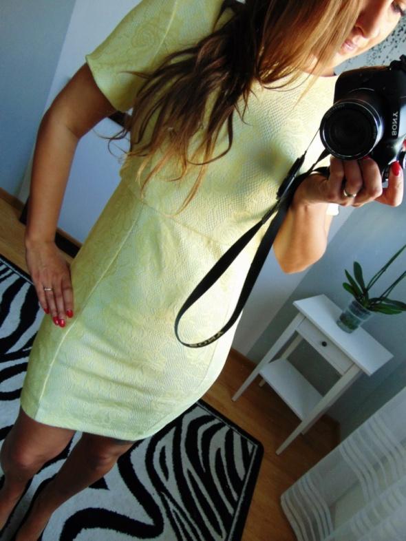 Cytrynowa elegancka sukienka