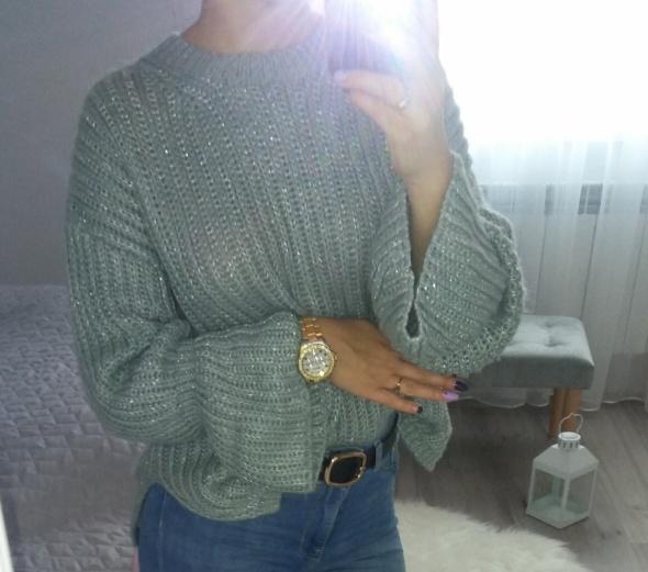 Sweter srebrna nitka piekne rozkloszowane rękawy gruby splot oversize