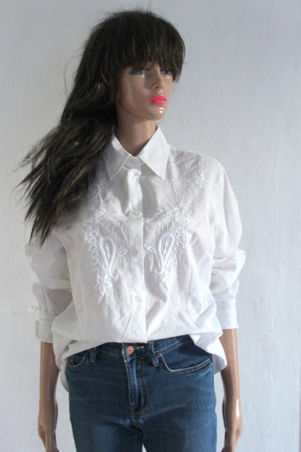 Biała koszula z haftowanym wzorem r M