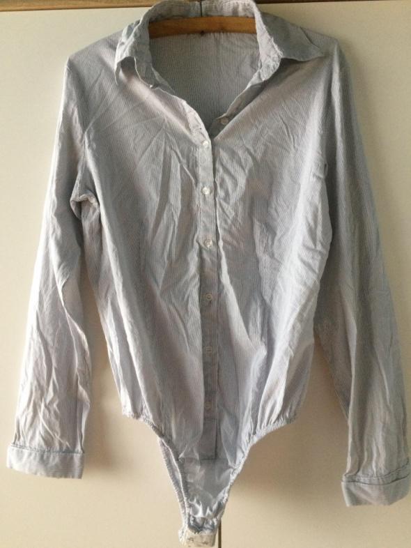 Body koszulowe w paski