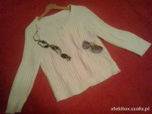 Śliczny sweterek Yessica M...