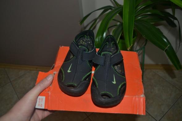 Sandałki Nike czarno zielone