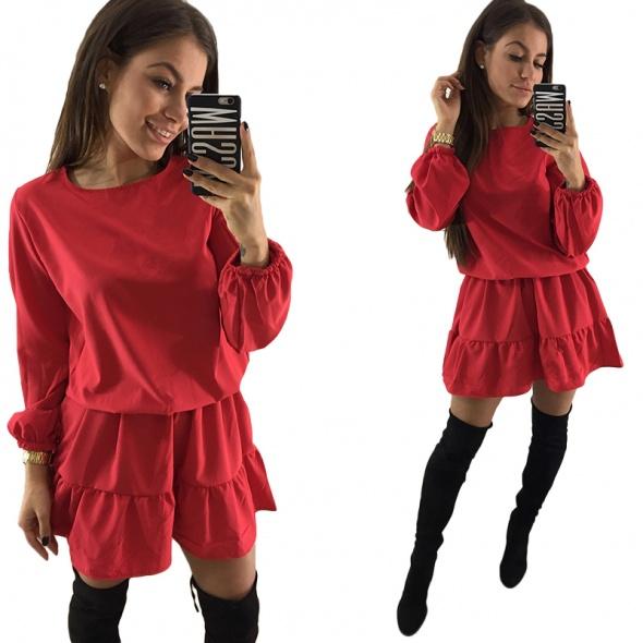 Czerwona zwiewna sukienka falbanka