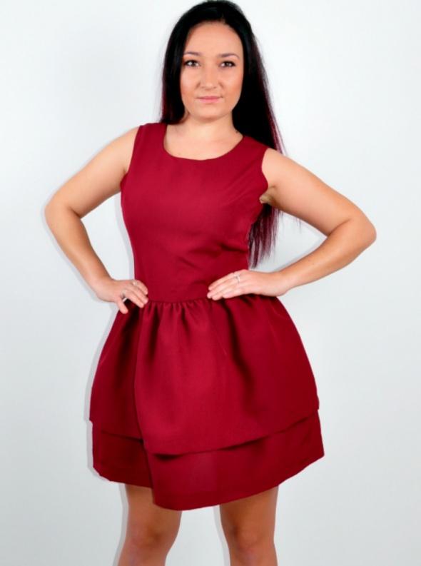 Sukienka Bordowa z Falbankami NOWA