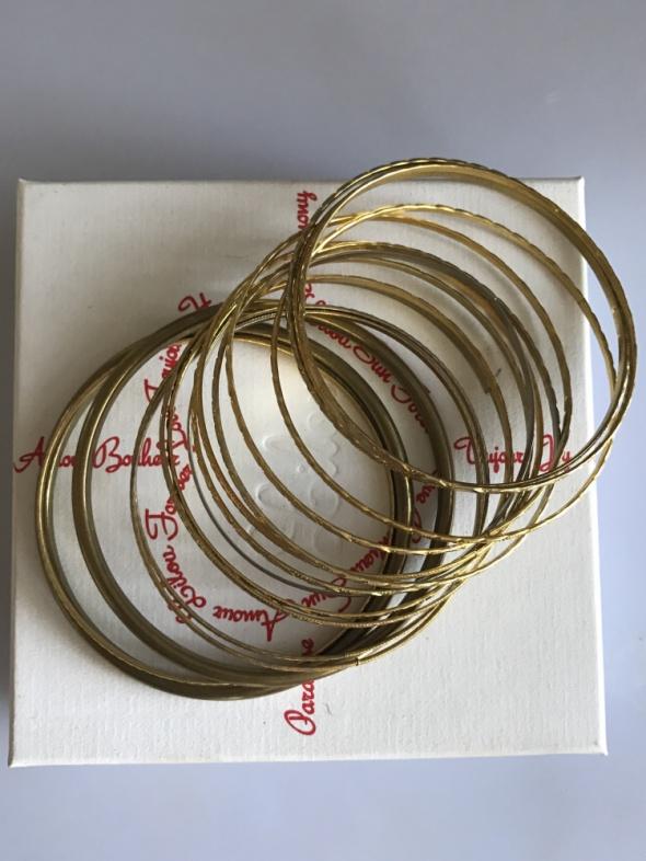 Zestaw złotych bransoletek