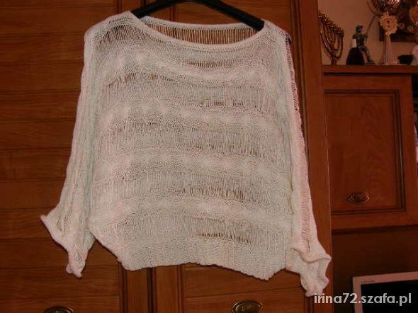 Biały sweterek nietoperz nicianka roz od M do XL