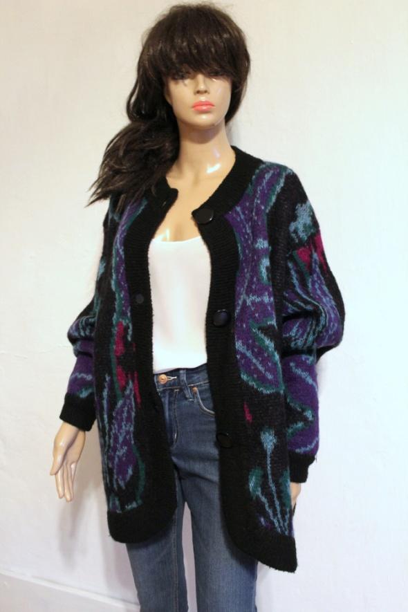 Czarny sweter we wzory w stylu retro r około L...