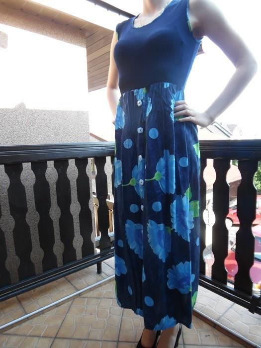 Sukienka rozmiar 38 do 42 44 46 a nawet 48 dla kobiet w ciąży ciemny granat kwiaty w odcieniu niebieskim