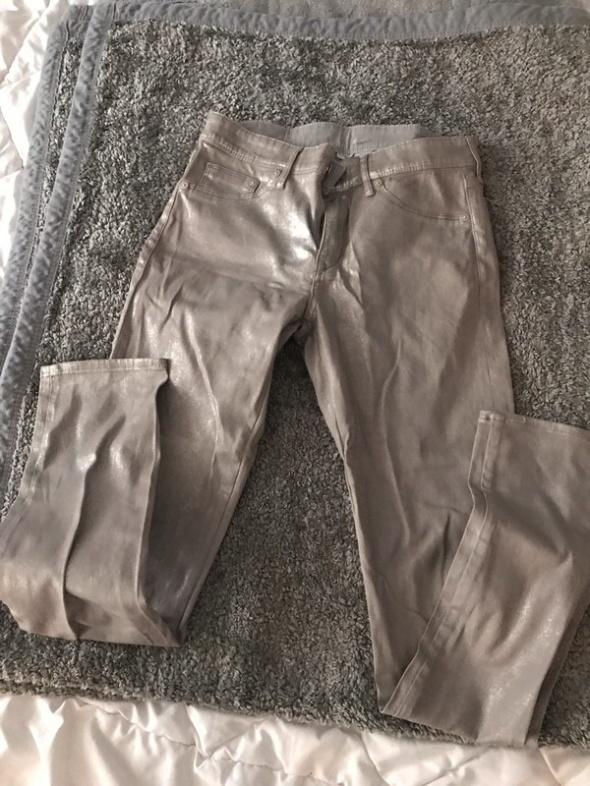 śliczne metaliczne spodnie hm