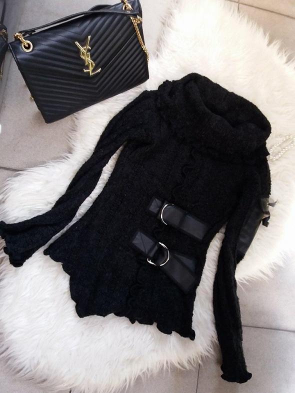 sweter czarny r S wstawki skórzane