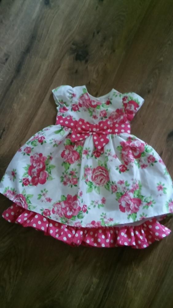 Kolorowa suknia z majtkami 15 roku