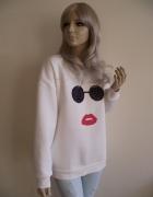 Nowa damska biała bluza z aplikacją ust i okularów M L...