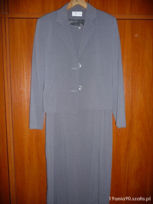 Szary garsonka z długa sukienką
