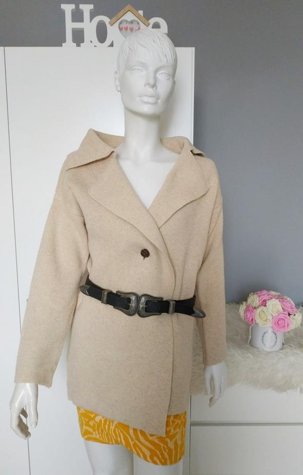 Beżowy płaszcz jesienny basic cieplutki S M...