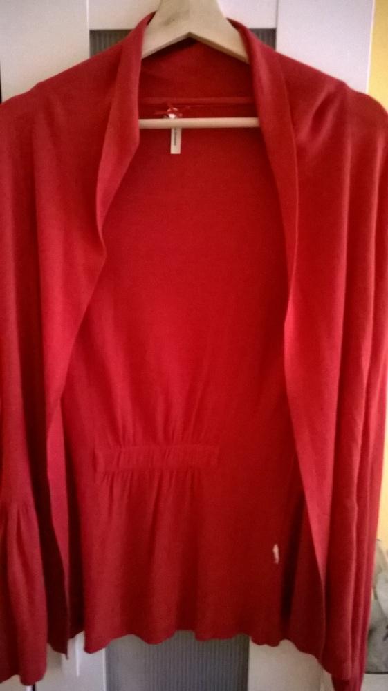 Sweterek czerwony narzutka