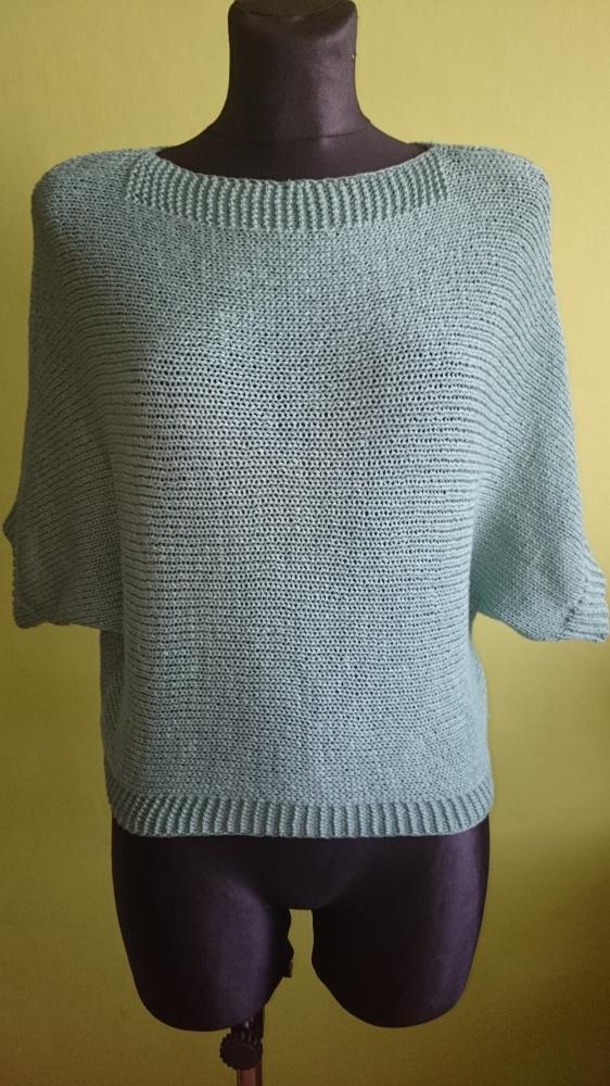 Miętowy sweterek oversize
