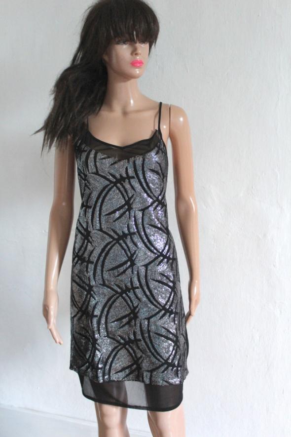 Czarna cekinowa sukienka gołe plecy r S