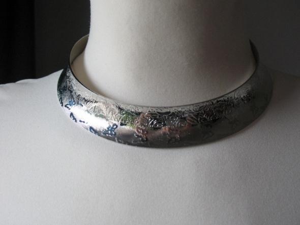 Naszyjnik choker nowy srebrny kolor