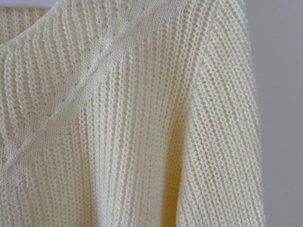 Sweterk ecru