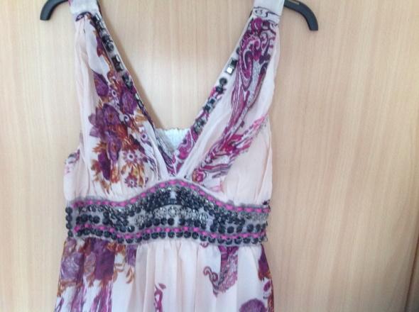 Długa letnia sukienka zdobiona koralikami 36 38