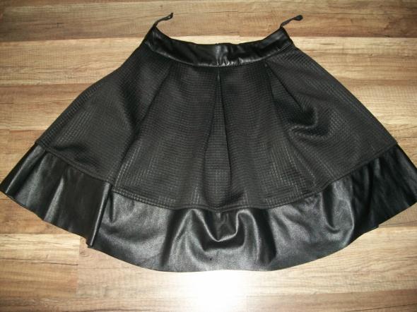Spódniczka rozkloszowana czarna XS na zamek Gonto