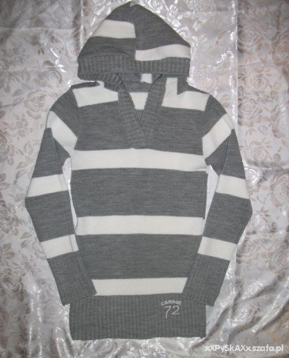 sweterek z kapturem paski szarobiałe