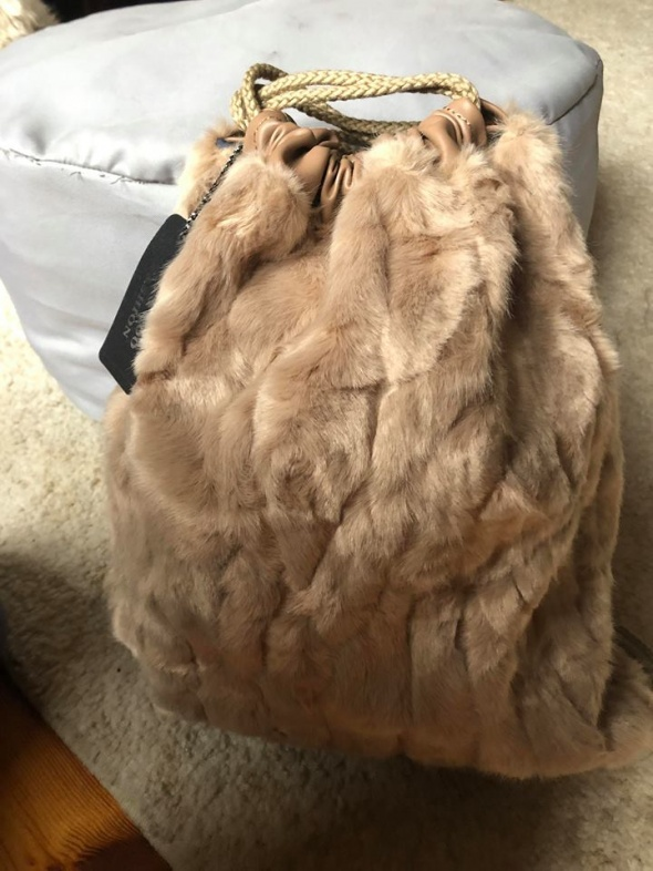 Plecak worek futro bezowy nude...