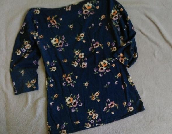 grnatowa bluzka w kwiaty...
