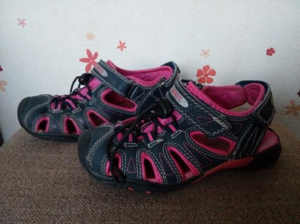 Sportowe sandały 31