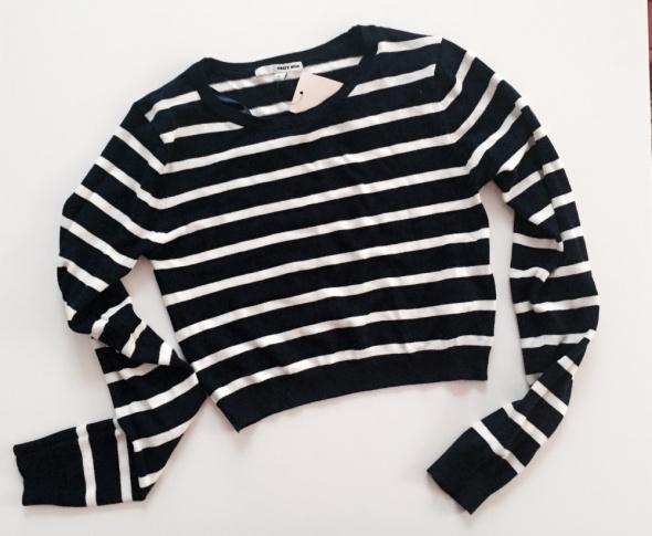Krotki sweterek tally weijl...