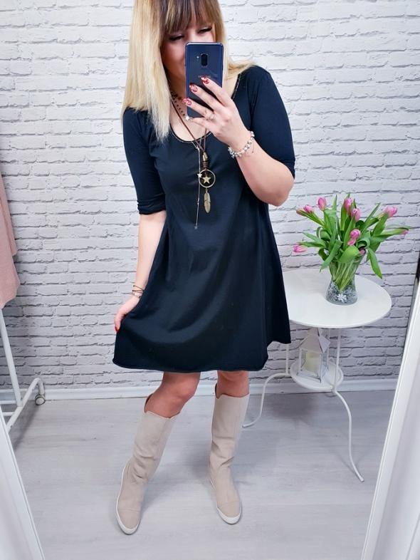 Sukienka materiałowa black