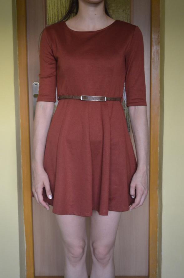 Suknie i sukienki Brązowa elegancka sukienka z półrękawem 34 36