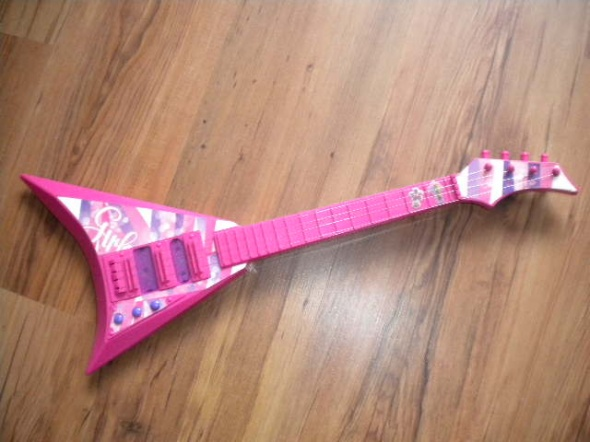 zabawka gitara na baterie ze strunami...