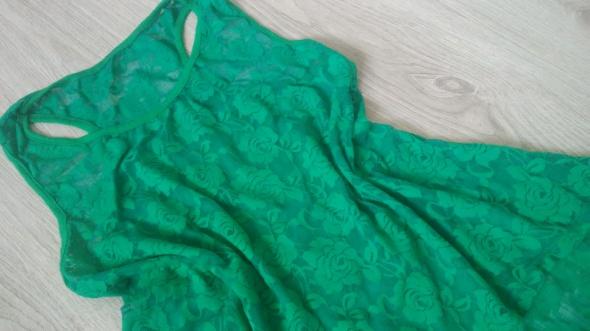 Bluzka koronka zielona róże 38