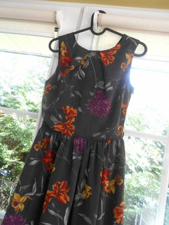 Love sukienka floral kwiaty skater szara szyfonowa...