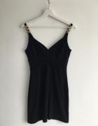 Czarna dopasowana sukienka złote dekoracje xs s