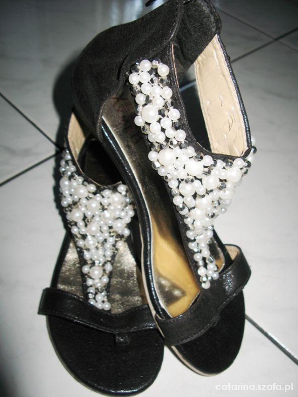 XYMER buty japonki z perłami