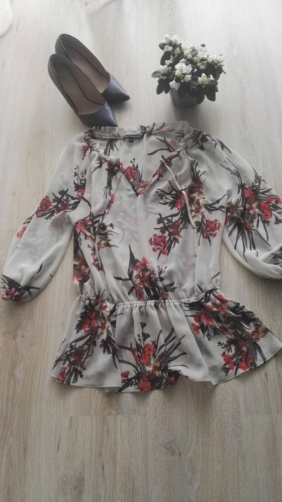 Piękna bluzka S Limited Collection