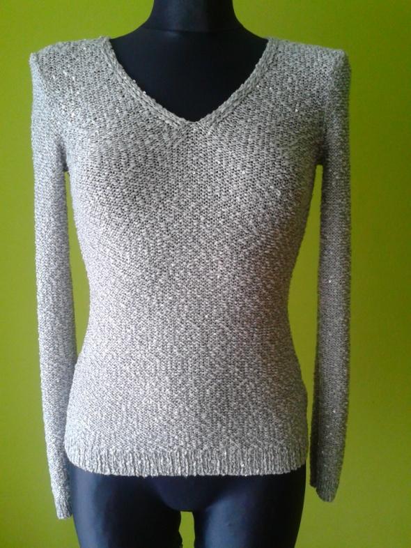 Śliczny sweterek popielaty Orsay...