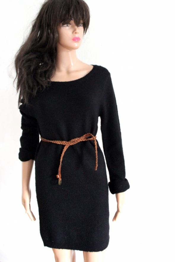 Czarna sukienka dzianinowa na długi rękawek r L...