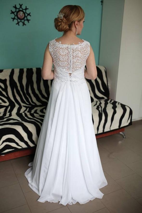 Suknia ślubna biała gipiura