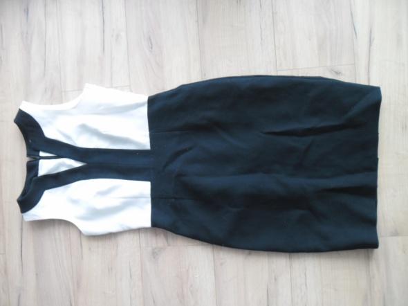 48ca7ee4ea Czarno biała ołówkowa sukienka Papaya UK 8 rozm 36 38 w Suknie i ...