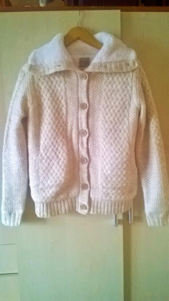 Bardzo ciepły sweterek roz M Bershka