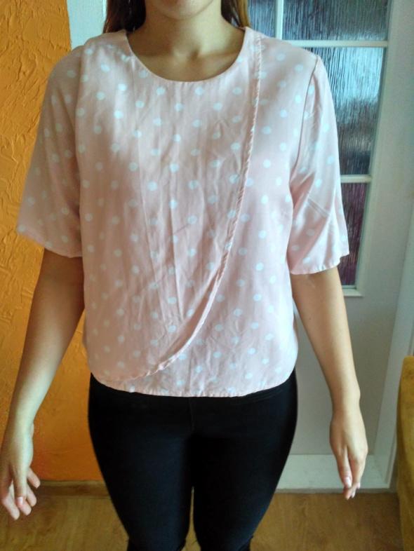 Różowa bluzka w kropki 40