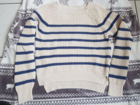 Krótszy sweterek