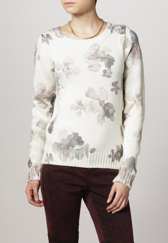 NOWY sweter w kwiaty EVEV&ODD ciepły XS S