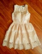 Beżowo złota bogato zdobiona koronkowa sukienka...